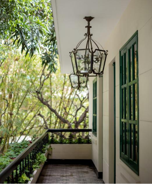 Nhà hàng 'đánh thức' hoài niệm Đông Dương ở TP HCM