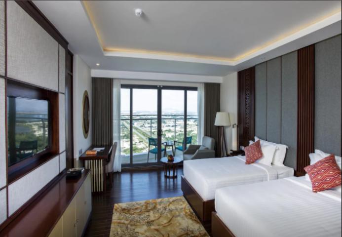 Deluxe Seaview With Balcony